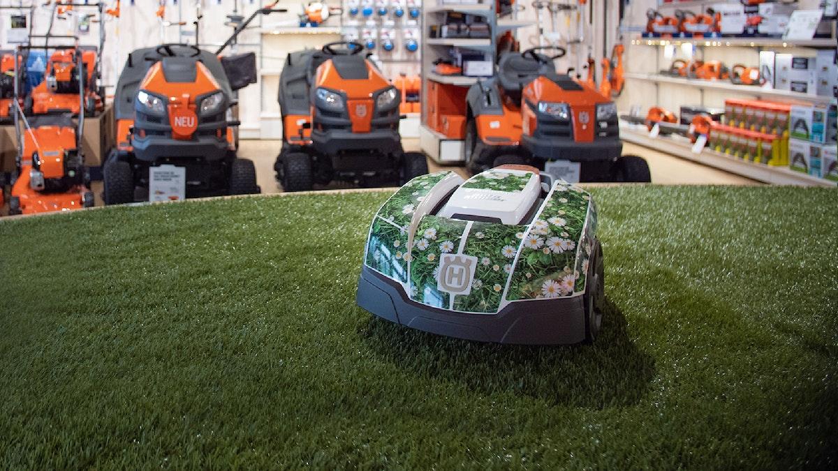 roboexpert GmbH und Co KG: Internationaler Fachhaendler für Haushaltsrobotik