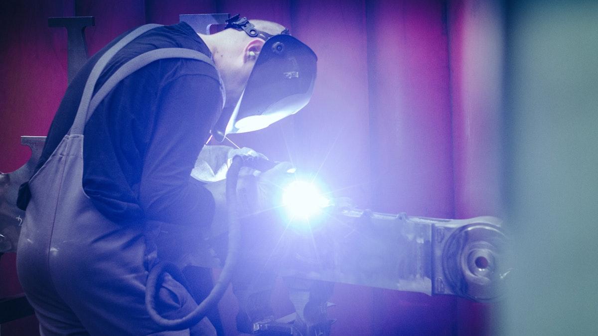TransTec F&E Vetschau GmbH Fabrication and Engineering: Spezialist für Schienenfahrzeuge und Stahlbau